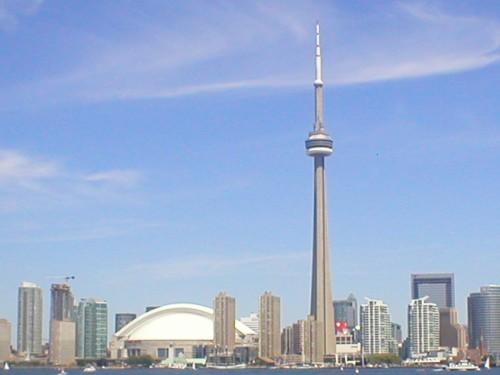 Prédios e a torre de Toronto