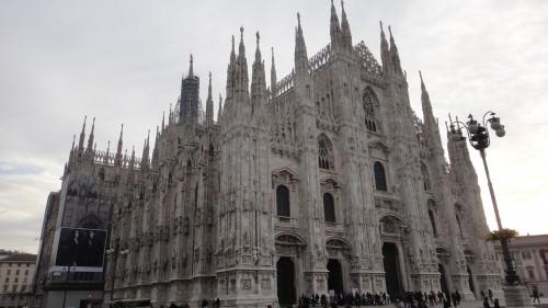 Duomo, a principal ingreja de Milão