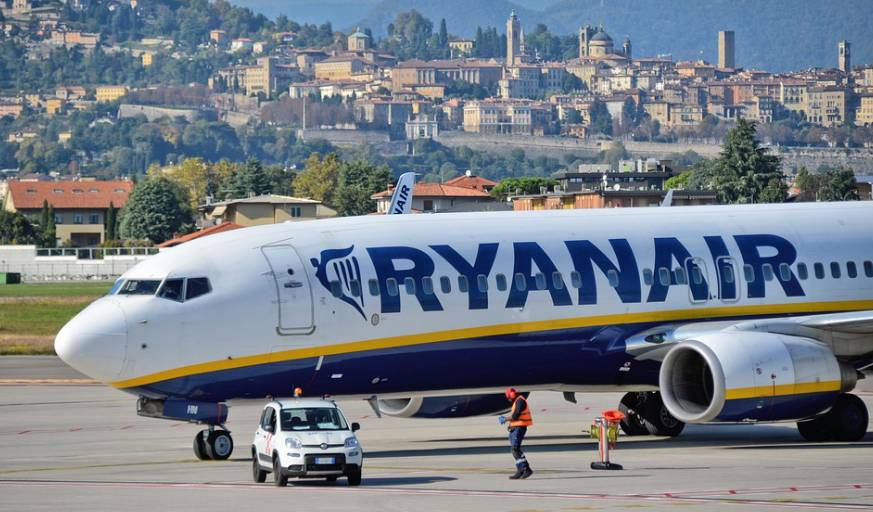 Avião da Ryanair, no aeroporto de Bérgamo