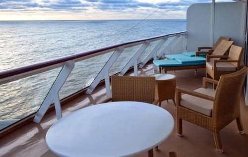 Cadeiras para descansar com vista para o mar