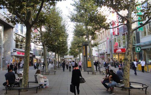 Rua de comércio Königstraße em Stuttgart