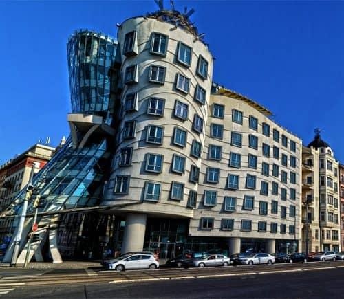 Arquitetura da Casa dançante, em Praga