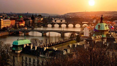 Praga no final da tarde