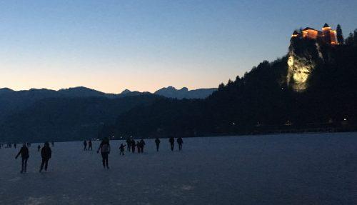 Patinadores no Lago de Bled
