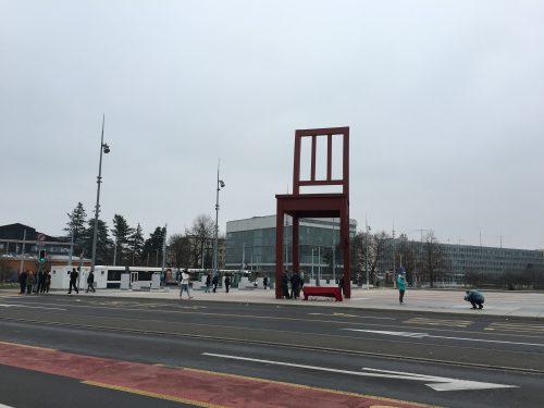 Monumento da cadeira em Genebra