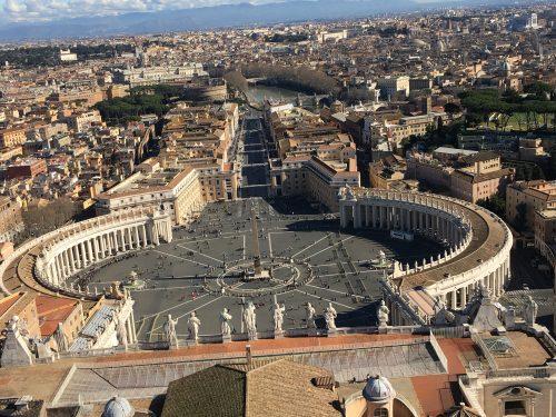 Vista panorâmica para a Praça de San Pietro