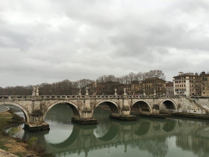 Ponte degli Angeli e Rio Tibre abaixo