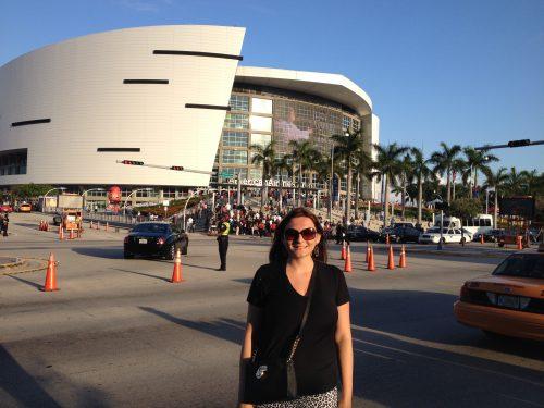 Frente da American Airlines Arena em Miami