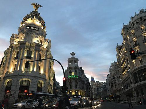 prédios de Madrid de noite