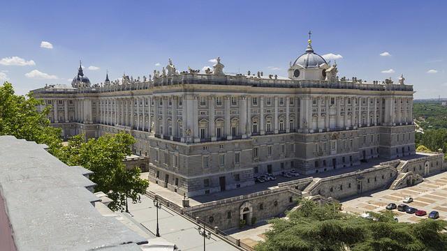 Arquitetura do Palácio Real em Madrid