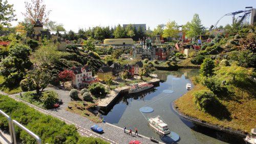 Cidade em miniatura feita de lego