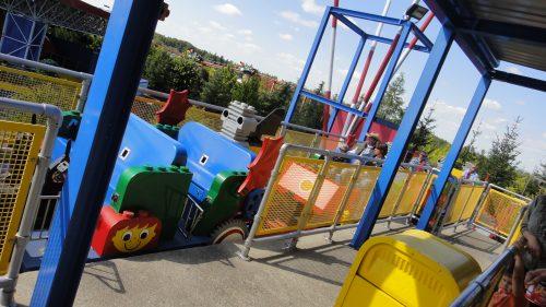 Trem de Lego para transporte na Legoland