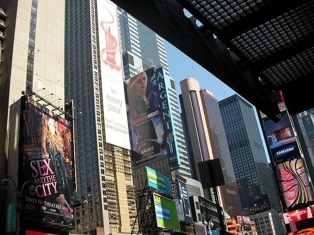 Painéis de lojas em Nova York