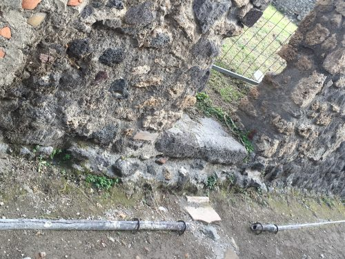 Sistema de encanamento d´água usada há séculos em Pompéia