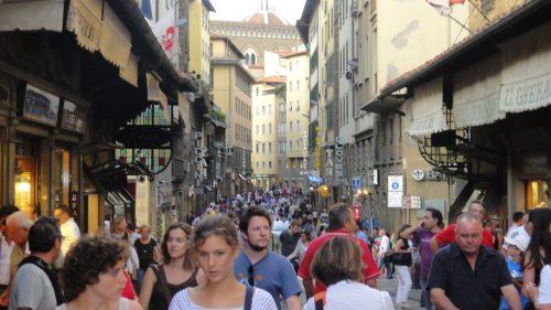 Movimento da Via Calimala, em Firenze