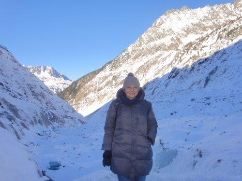 Montanhas com neve no Mer de Glace