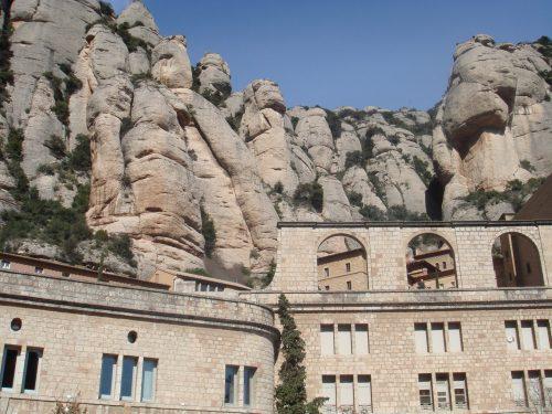 Arquitetura do mosteiro em Montserrat