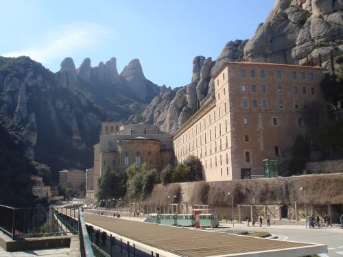 Mosteiro e montanhas de Montserrat na Espanha