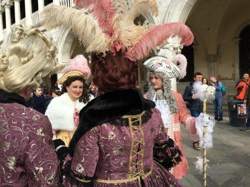 Fantasias tradicionais no Carnaval de Veneza