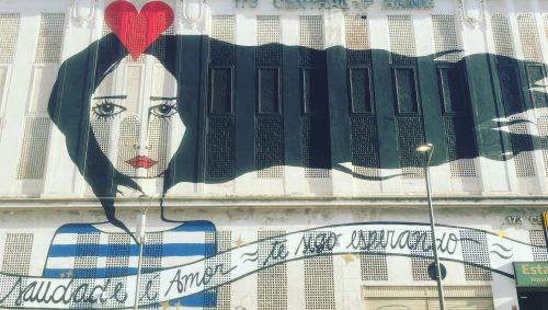 Pintura num galpão do Porto Maravilha