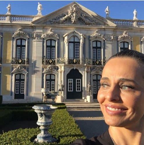 Carla Vilhena passeando pela Europa