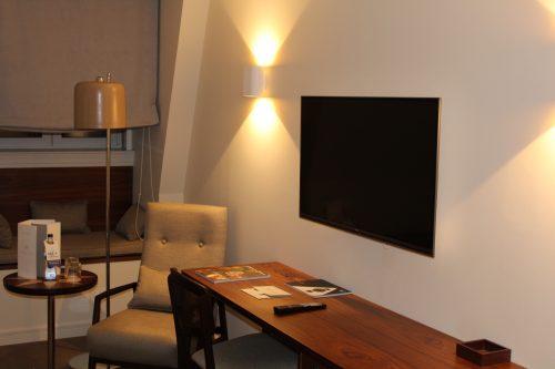 Móveis do quarto no hotel Corpo Santo Lisboa