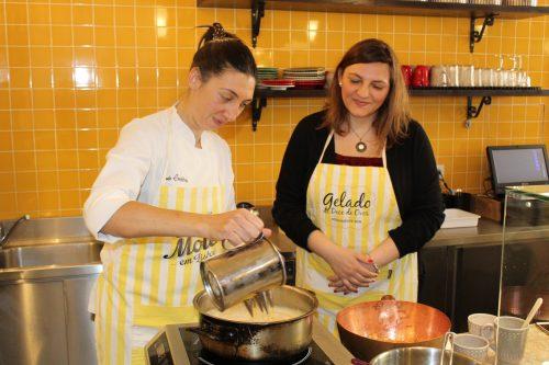 Preparação de doces na Casa dos Ovos Moles