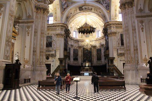 Arquitetura da Igreja Duomo em Bérgamo