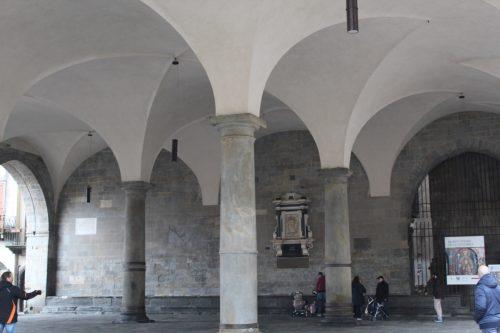 Arcos no teto do Palazzo della Ragione