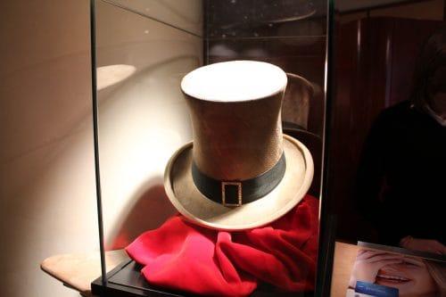 Chapéu dourado no hotel Cappello D´Oro em Bérgamo