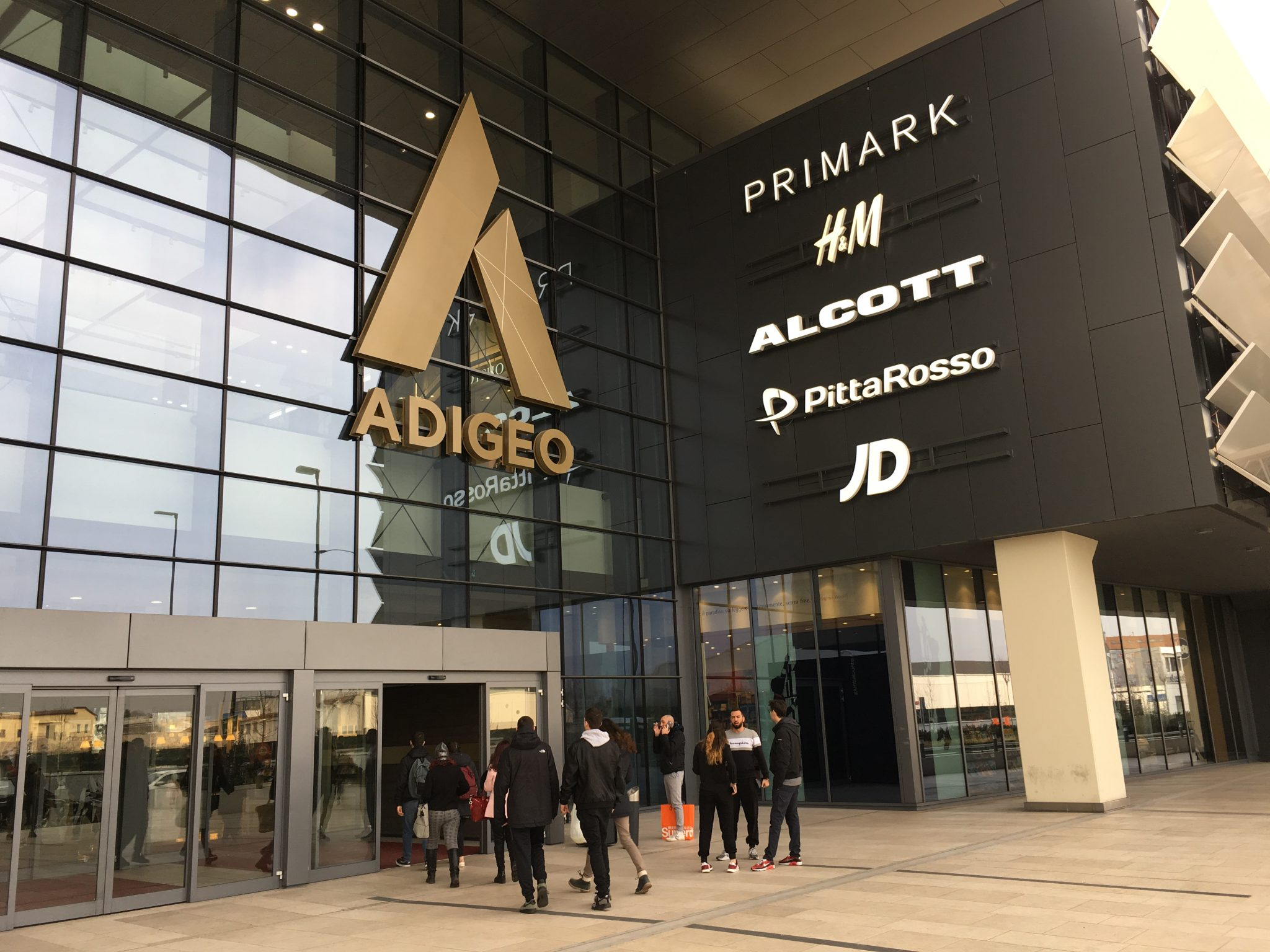 Lojas populares em Shopping italiano