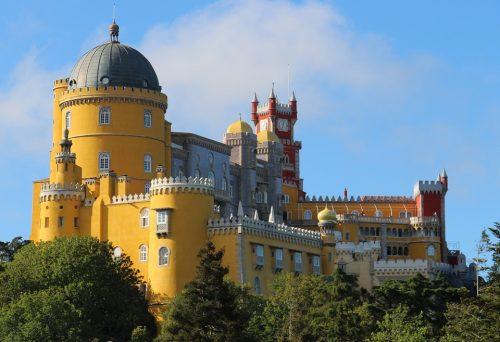 Palácio da Pena em um dia ensolarado