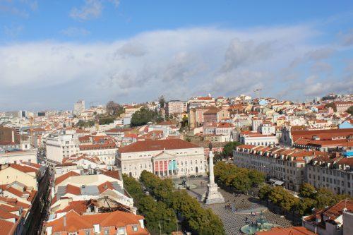 Vista da arquitetura de Lisboa em um dia ensolarado