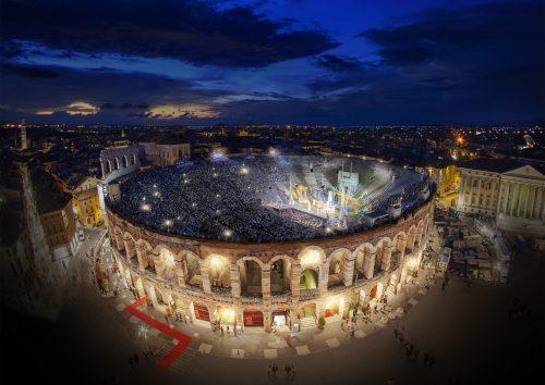 espetáculo na Arena de Verona no verão