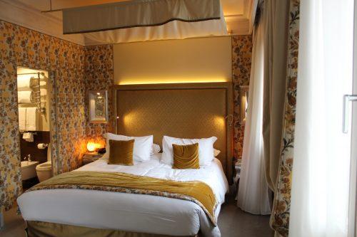 Quarto luxuoso no hotel Papadopoli MGallery em Veneza