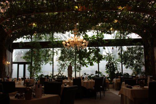 Decoração do restaurante no hotel Papadopoli em Veneza