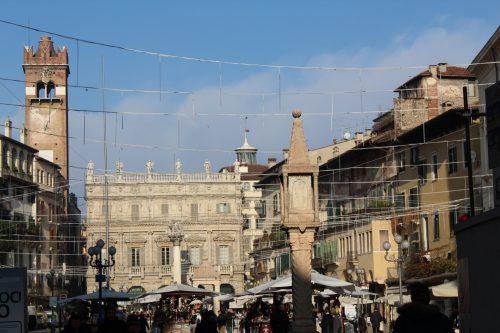 Piazza delle Erbe em Verona