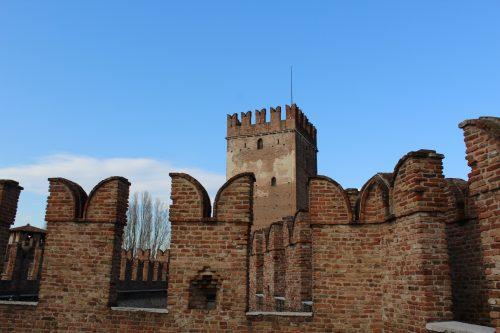 Topo do Castel Vecchio em Verona