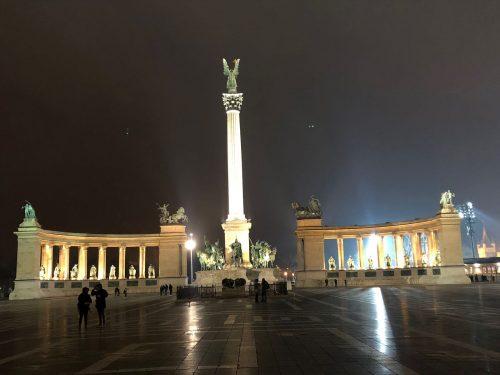 Monumento Praça dos Heróis em Budapeste