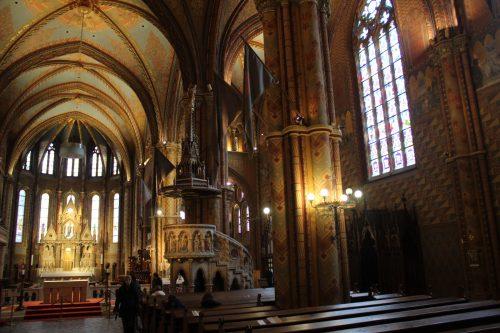 Arquitetura da parte interna da Igreja Matthias