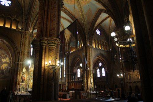 Parte interna da Basílica Santo Estevão em Budapeste