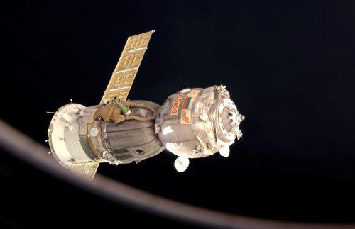 O trabalho de astronautas no espaço