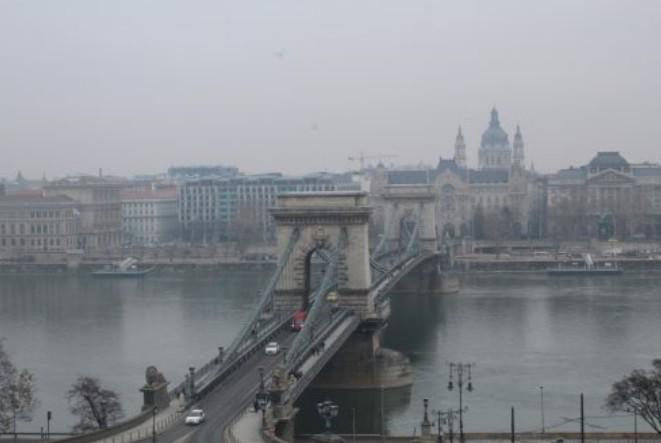 Ponte Chain, Peste e o rio Danúbio