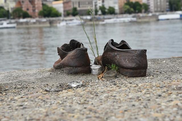 Monumento Shoes on the Danube Bank em Budapeste