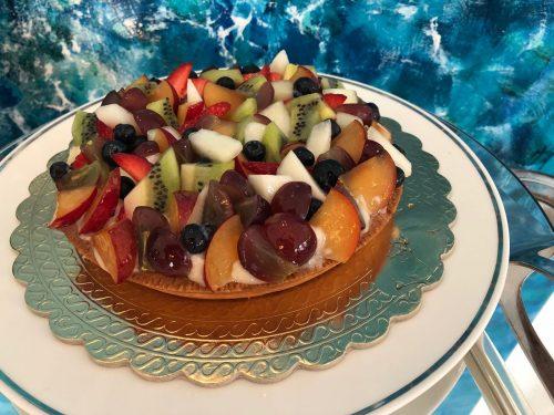 Bolo de frutas frescas no café da manhã em Positano