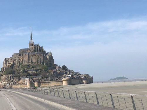 Mont Saint-Michel e a seca ao redor