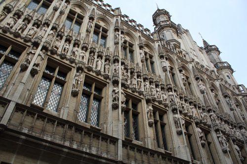 Detalhes da arquitetura da Câmara Municipal em Bruxelas
