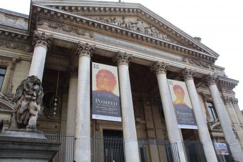 Frente do Palais de la Bourse em Bruxelas