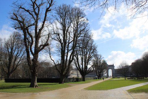 Passeio pelo Cinquantenaire Parc em Bruxelas