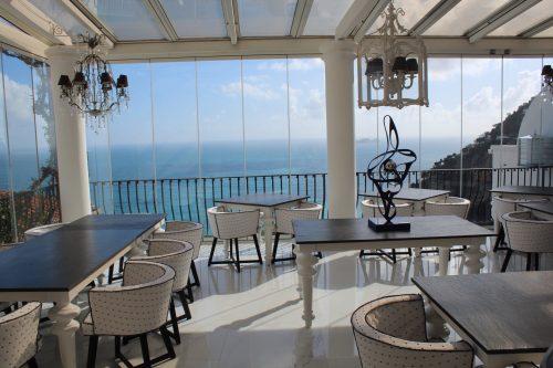 Restaurante Li Galli com vista para o Mediterrâneo